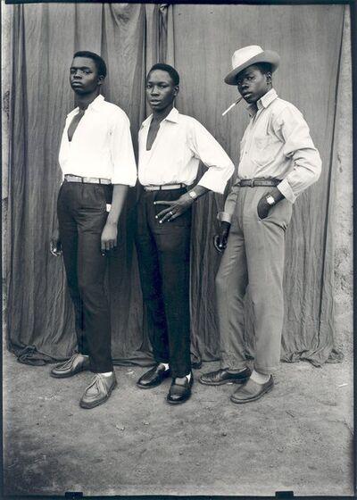 Seydou Keïta, 'Sans titre (Trois hommes habillés à la dernière mode)', 1952