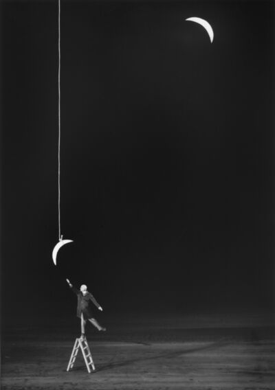 Gilbert Garcin, '339- L'ambition raisonnable (Reasonable ambition) ', 2008