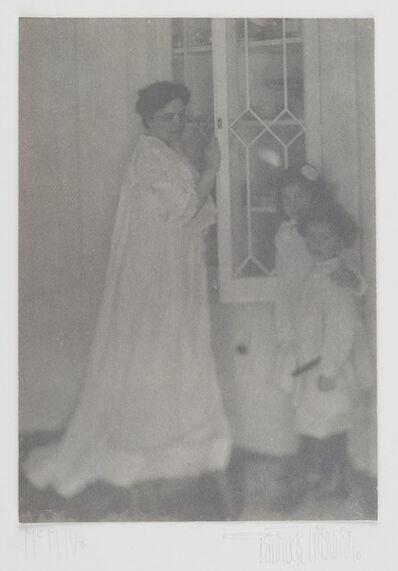 Gertrude Käsebier, 'Mother and Children', 1904