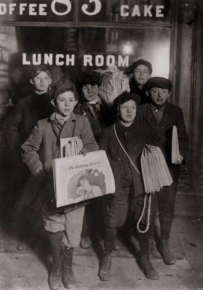 Lewis Wickes Hine, 'Boys Selling Newspapers of Brooklyn Bridge', 1908