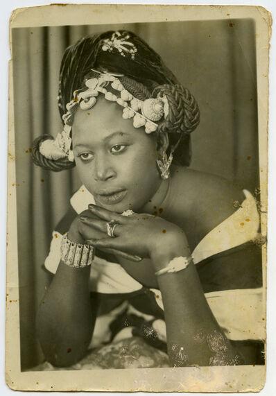 MAMA CASSET, 'Sans titre (femme aux mains sous le menton)', ca. 1950