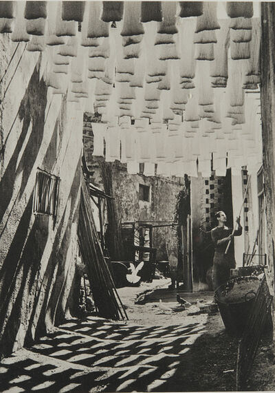 George Rodger, 'The Wod Suq in Tunis', 1958