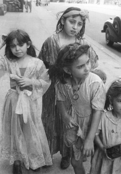 Helen Levitt, 'N.Y.C. (Gypsy girls)', 1942