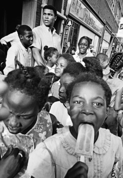 Thomas Hoepker, 'Children gather in the streets of Chicago', 1966