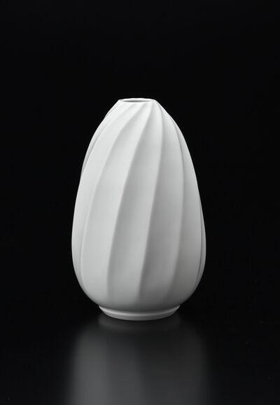 Manji Inoue, 'Hakuji (white porcelain) Spiral Vase 02', 2019