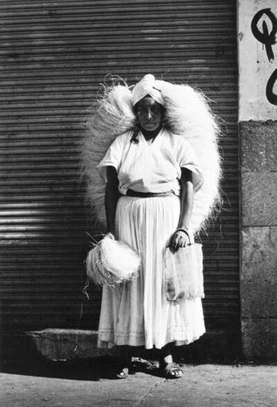 Graciela Iturbide, 'Vendedora de zacate. Oaxaca, México', 1974