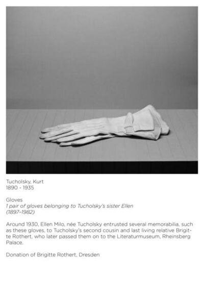 Ricarda Roggan, 'Apokryphen (Kurt Tucholsky, Handschuhe)', 2014