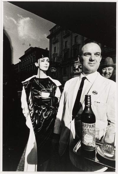 Jeanloup Sieff, 'Waiter Carrying Carpano', 1963