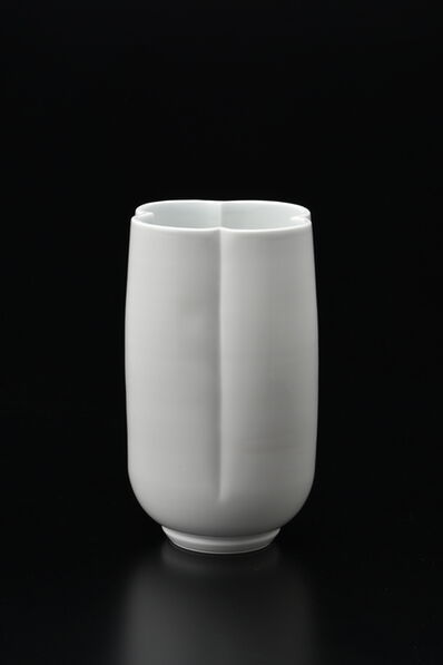 Manji Inoue, 'Hakuji (white porcelain) Flower Shaped Vase', 2019