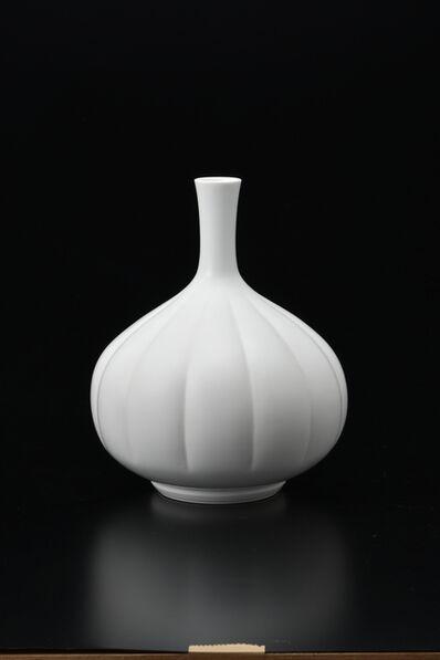 Manji Inoue, 'Hakuji (white porcelain) Chrysanthemum Vase', 2019