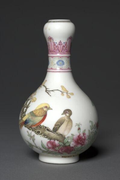 China, Jiangxi province, Jingdezhen kilns, Qing dynasty (1644-1911), Qianlong mark and period, 'Vase with Golden Pheasants', 1736-1795