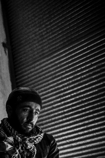 Edouard Elias, 'Avec la Katiba, un combattant en état de choc après le bombardement de sa position, Syrie, janvier 2013', 2019