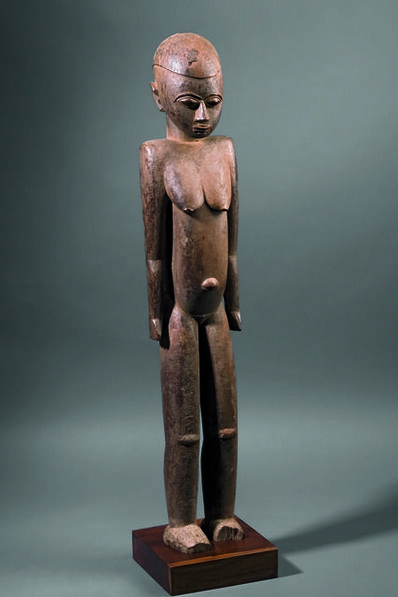 'Ancêtre thílkõtína - statuette féminine (Thilkotina ancestor - female statuette) ', c. 1930
