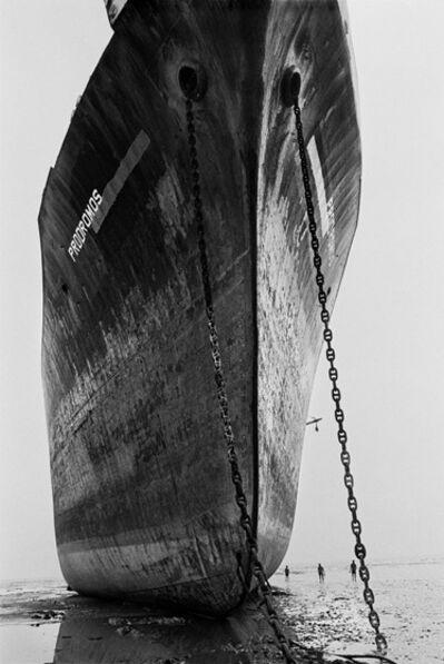 Sebastião Salgado, 'Shipbreakers, Chittagong, Bangledesh.', 1989