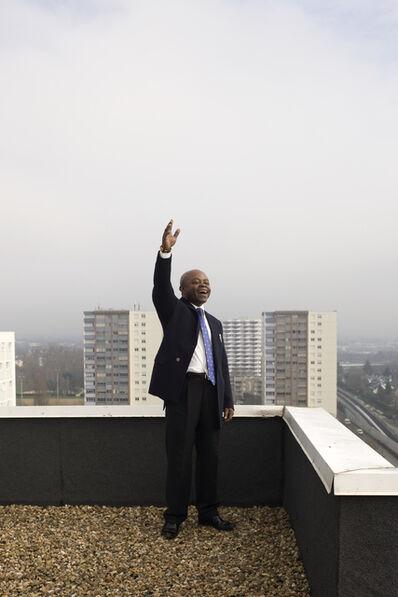 Jordi Colomer, 'Crier sur les toits (4)', 2011