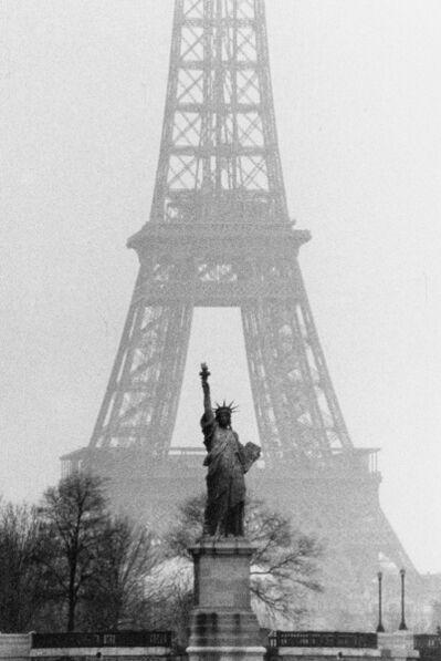 Marc Riboud, 'Paris, 1964 - Deux icones réunies', 1964