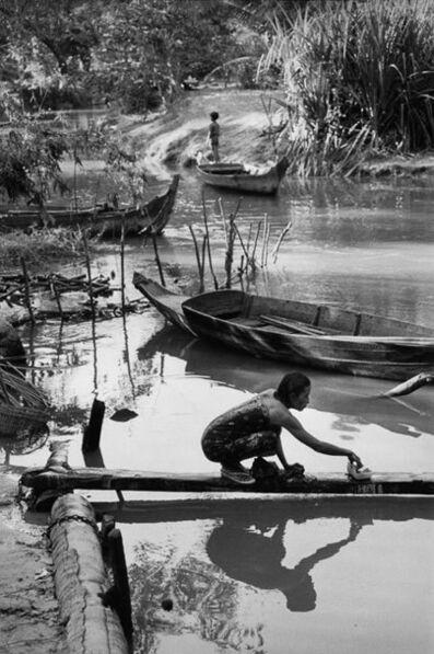 Marc Riboud, 'Les bords de la rivière Siem Reap, 1990', 1990