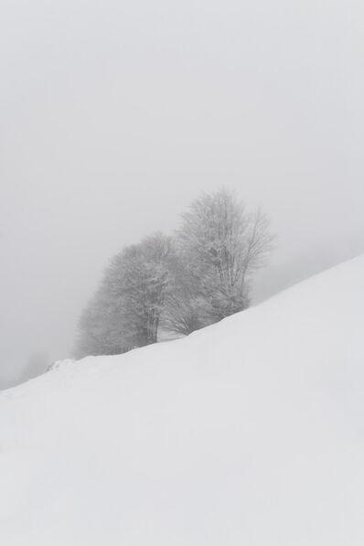Simone Cametti, ' primitivo: documentazione azione, Pizzo di Sevo, Parco Nazionale dei monti della Laga e Gran Sasso', 2021
