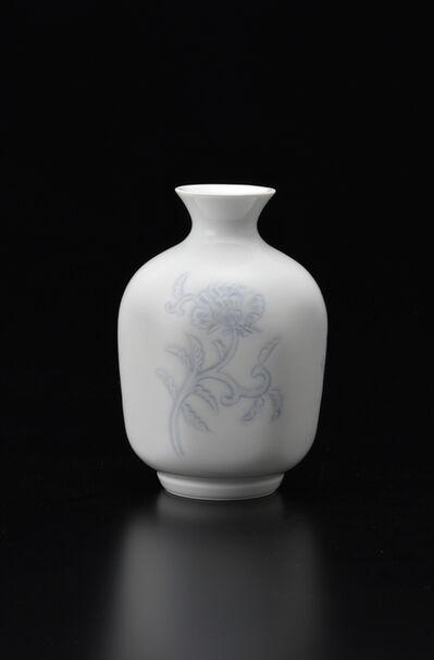Manji Inoue, 'Engraved Hakuji (white porcelain) Peony Vase 02,', 2019