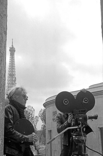André Morain, 'Andy Warhol lors du tournage de L'Amour, sur le parvis du Musée d'Art moderne lors de son exposition à l'ARC, Paris', 1970