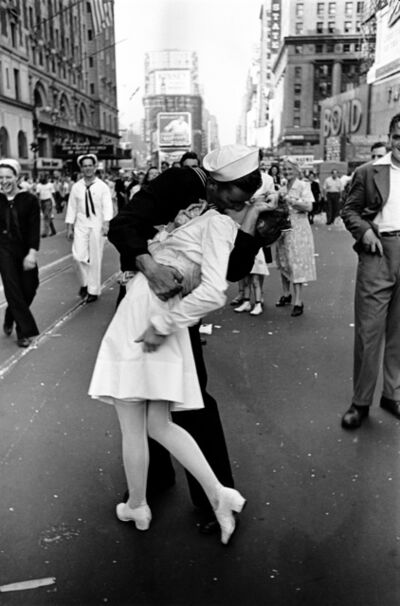 Alfred Eisenstaedt, 'VJ Day, Times Square, NY, August 14, 1945', 1945