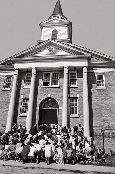 Steve Schapiro, 'Crowd Praying on Steps of Church, Clarksdale, Mississippi', 1964