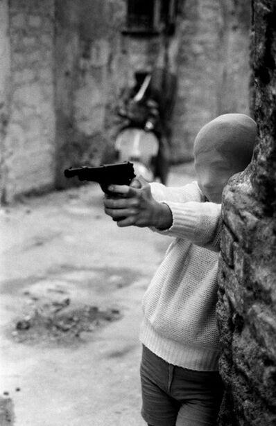 Letizia Battaglia, 'Palermo, 1982. Vicino alla Chiesa di Santa Chiara. Il gioco del killer.', 1982