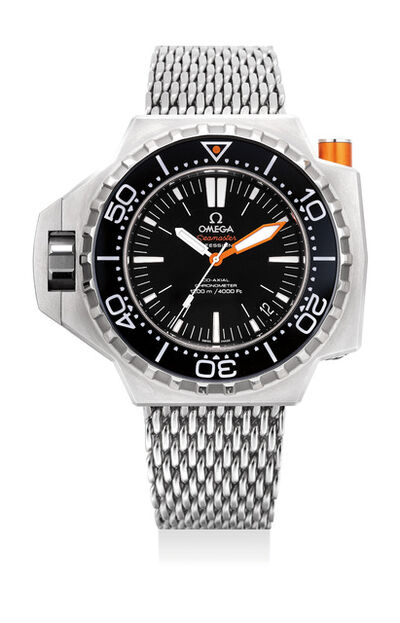 OMEGA, 'A fine stainless steel diver's wristwatch with sweep center seconds, date, locking rotating bezel, bracelet, warranty and box', Circa 2010