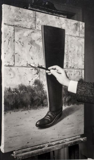 """René Magritte, 'René Magritte peignant """"Le Puits de Vérité"""" (1962-1963), Bruxelles', 1962-1964"""