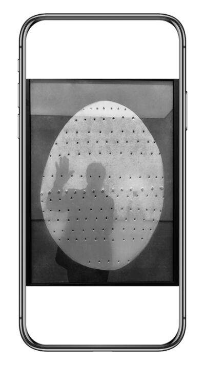 Aldo Sessa, 'Autorretrato. Obra de Lucio Fontana', 2017
