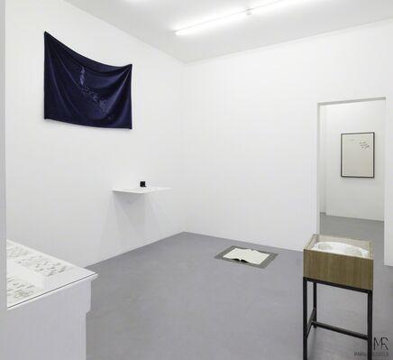 Margaux Bricler : un oeuf, un caillou, un chat, installation view