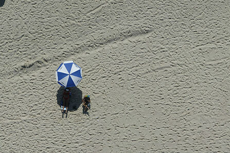 Custodio Coimbra, 'Estar na praia azul e branco'