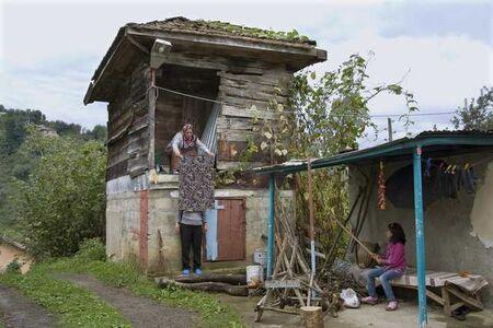 Nilbar Güres, 'SANSÜR TrabZONE serisinden / CENSORSHIP from the series TrabZONE', 2010
