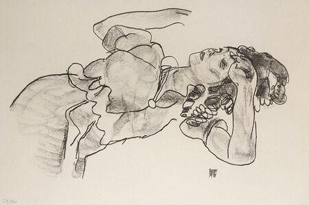 Egon Schiele, 'Liegendes Mädchen, Halbfigur', 1918