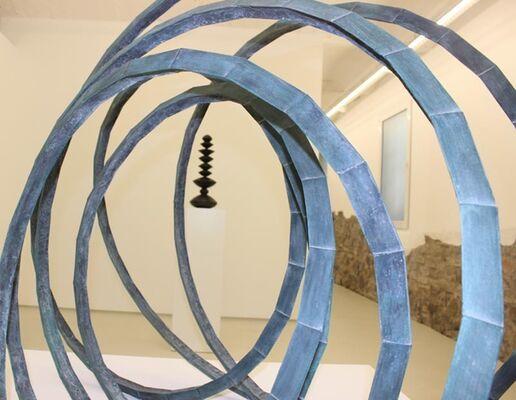 ABRAHAM DAVID CHRISTIAN Sculptures  // JULIAN KHOL paintings, installation view