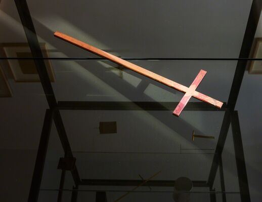 A cross / THE cross, installation view