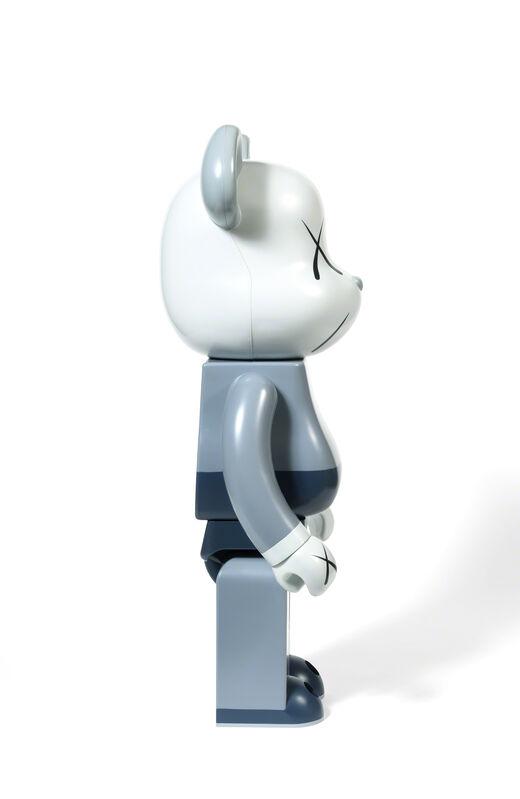 KAWS, 'BEARBRICK COMPANION 1 000 % (Grey / Blue)', 2006, Sculpture, Painted cast vinyl, DIGARD AUCTION