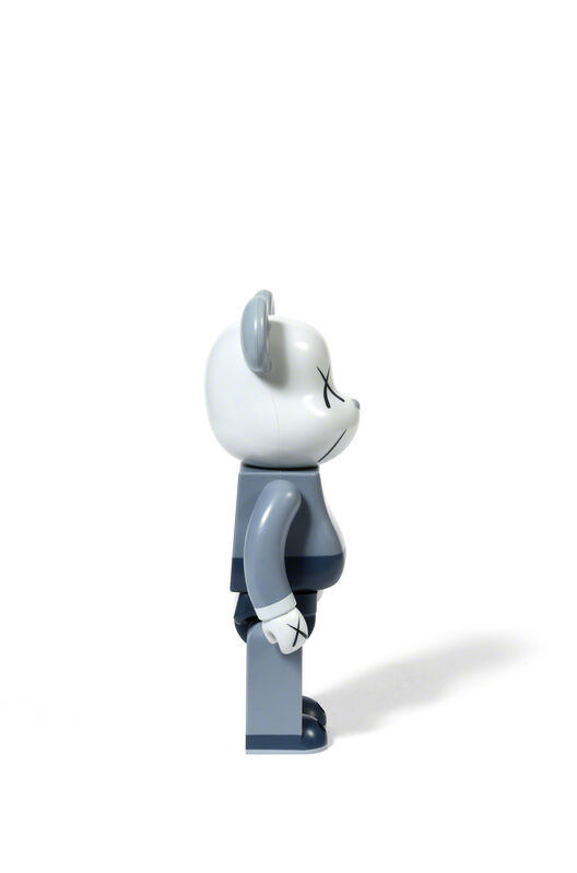 KAWS, 'BEARBRICK COMPANION 400 % (Grey / Blue)', 2006, Sculpture, Painted cast vinyl, DIGARD AUCTION
