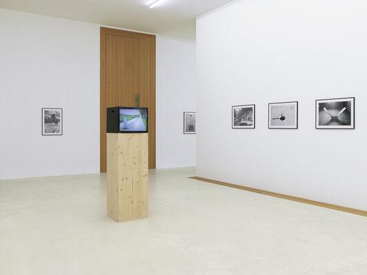 Roman Signer «Fotografie und Super-8-Filme», installation view