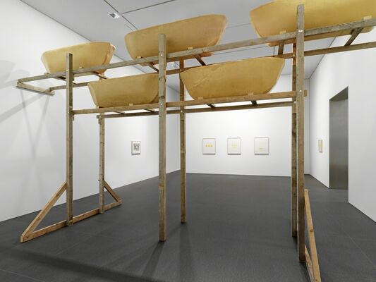 Wolfgang Laib 'Du wirst woanders hingehen (You will go somewhere else)', installation view