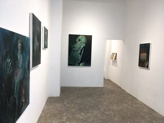 Under the blue light, installation view