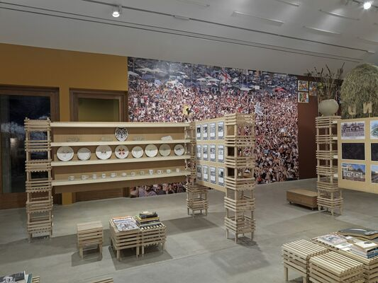 The Land We Live In – The Land We Left Behind, installation view