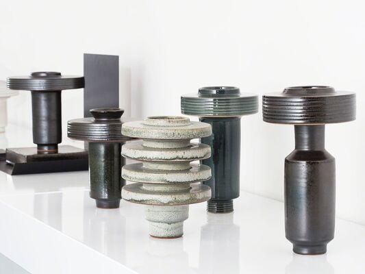 Ian McDonald: Index, Thumb, Thumb, Index, installation view