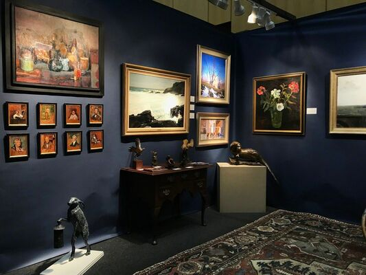 Delaware Antiques Show, installation view
