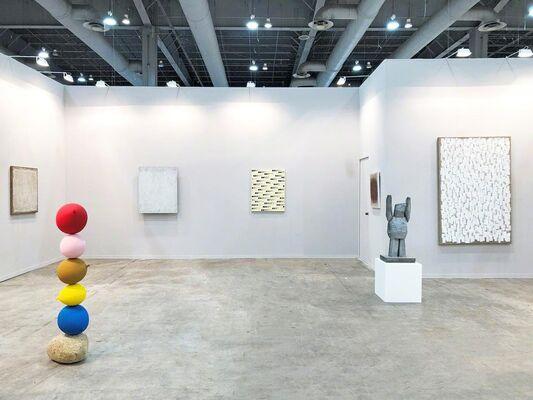 Tina Kim Gallery at ZⓈONAMACO 2019, installation view