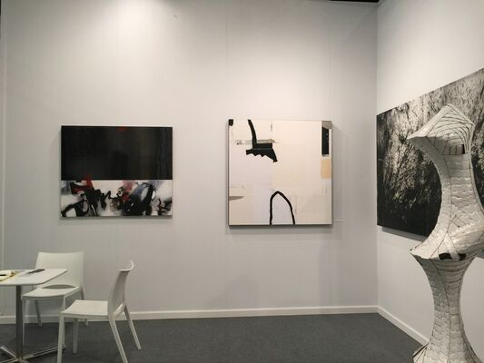 DIALECTO Gallery at CONTEXT New York 2016, installation view
