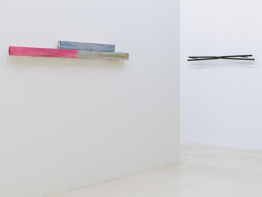 »Energie : analog«   Matthew McCaslin   Gary Kuehn   David Reed   Roman Signer   Keith Sonnier   Michael Venezia, installation view