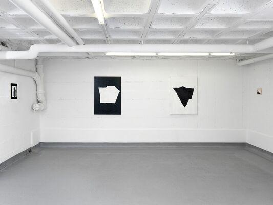 ERIK LINDMAN, Torso, installation view