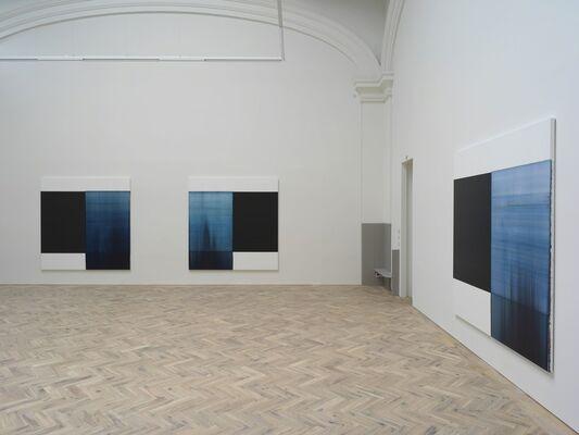 Callum Innes : Byzantine Blue, Delft Blue, Paris Blue, installation view