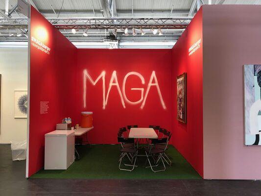 #MAGABURGER, installation view
